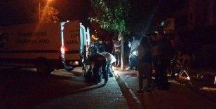 Didim'de bir kişi kaldırımda silahla vurulmuş hale bulundu