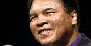 Ünlü boksör Muhammed Ali'nin çizimleri yaklaşık 1 milyon dolara satıldı