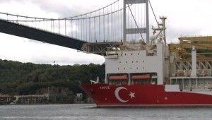 Yavuz sondaj gemisi İstanbul Boğazı'ndan geçti