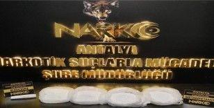 Antalya Havalimanı'nda 4 kilogram metamfetamin ele geçirildi