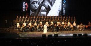 Rus Kızılordu Korosu ve Haluk Levent Konya'da sahne aldı