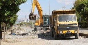 Büyükşehir, Gevaş'taki cadde yenileme çalışmalarına başladı
