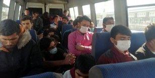 Erzincan'da Afganistan uyruklu 29 kaçak göçmen yakalandı