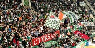 Frutti Extra Bursaspor-IcryPex Beşiktaş maçına taraftardan yoğun ilgi