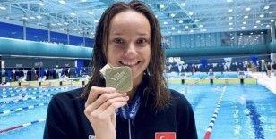 Milli yüzücü Viktoria Zeynep Güneş'ten altın madalya