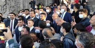 İstanbul Büyükşehir Belediye Başkanı İmamoğlu Erzurum'da tarihi yerleri gezdi