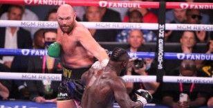 Tyson Fury, Deontay Wilder'ı nakavtla yenerek unvanını korudu