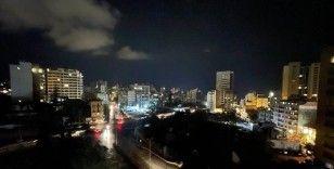 Elektrik santrallerindeki yakıtın bitmesinin ardından Lübnan karanlığa gömüldü