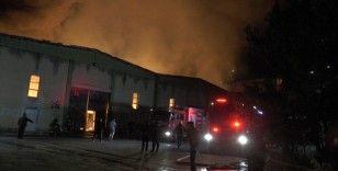 Kayseri'de fabrika yangını: alevler geceyi aydınlattı