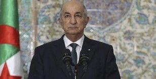 Cezayir Cumhurbaşkanı Tebbun: Fransa, Keçiova Camisi'nde bulunan 4 bin kişinin etrafını sardı ve top atışıyla öldürdü