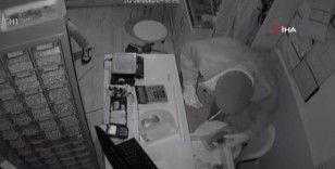 Fatih'te 2.5 dakikada 1 milyonluk liralık soygun kamerada