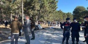 Afyonkarahisar'da öğrenci servisinin devrilmesi sonucu 5 kişi hayatını kaybetti