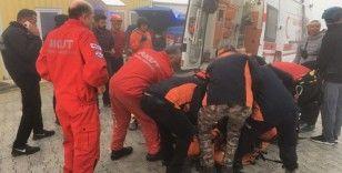 Fethiye'de kayalıklara düşen Rus paraşütçü kurtarıldı