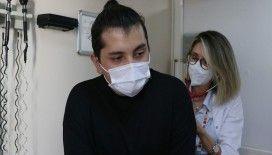 Hastanede Kovid-19 tedavisi gören gençten yaşıtlarına 'aşı olun' çağrısı