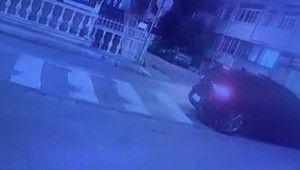 Avcılar'da Dur ihtarına uymayan otomobilin kaçış anı güvenlik kamerasında