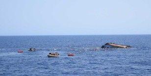 Tunus açıklarında alabora olan tekneden 17'si kadın 123 düzensiz göçmen kurtarıldı