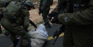 İsrail askerleri, Batı Şeria'daki Yahudi yerleşimleri protestolarında 2 Filistinliyi yaraladı