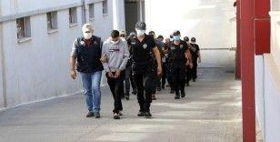 DEAŞ'ın Amerika'yı tehdit ettiği videoda bulunan şüpheli Adana'da yakalandı