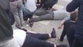 Çekmeköy'de ticari araç kaldırımdaki yayaların arasına daldı: 3 yaralı