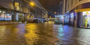 Fethiye'de sağanak yağış etkili oldu