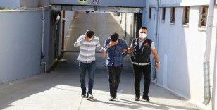 Adana'da iki araçta 12 kilo 600 gram esrar ele geçirildi