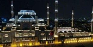 Hazreti Muhammed'in kılavuzluğundan uzak kalan insanlık, tarihinin en zorlu dönemlerini yaşamaktadır