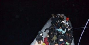 Kuşadası açıklarında 28 düzensiz göçmen kurtarıldı