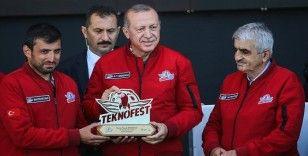 Cumhurbaşkanı Erdoğan: Özdemir Bayraktar'ın milletimize yaptığı eşsiz hizmetler asla unutulmayacak