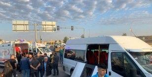 Batman'da işçileri taşıyan servis aracı kaza yaptı: 10 yaralı