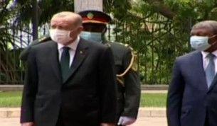 Cumhurbaşkanı Erdoğan, Angola'da resmi tören ile karşılandı