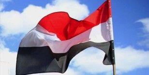 Yemen hükümeti, ülkede finansal işlemleri durdurdu