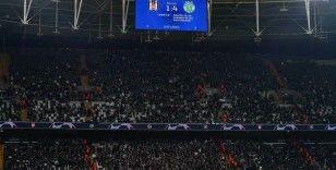 Beşiktaş taraftarından maç sonu destek