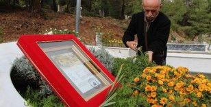 19 aylık hukuk mücadelesinin ardından şehitlik belgesiyle oğlunun mezarına gitti