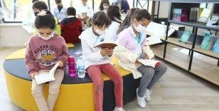Öğrencilerin yeni adresi Mehmet Akif Ersoy Dijital Kütüphanesi, minik okurlarını ağırlıyor