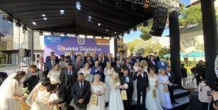 12 Roman çift Üsküdar'da dünya evine girdi