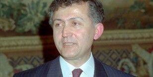 Ahmet Taner Kışlalı suikastının üzerinden 22 yıl geçti