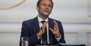 Macron, 100 euroluk enflasyon tazminatını 'daha adil ve hedefli' olarak nitelendirdi